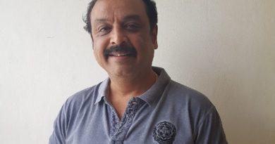'మా' అధ్యక్షుడు వీకే నరేష్ కరోనా విరాళం రూ. 11 లక్షలు