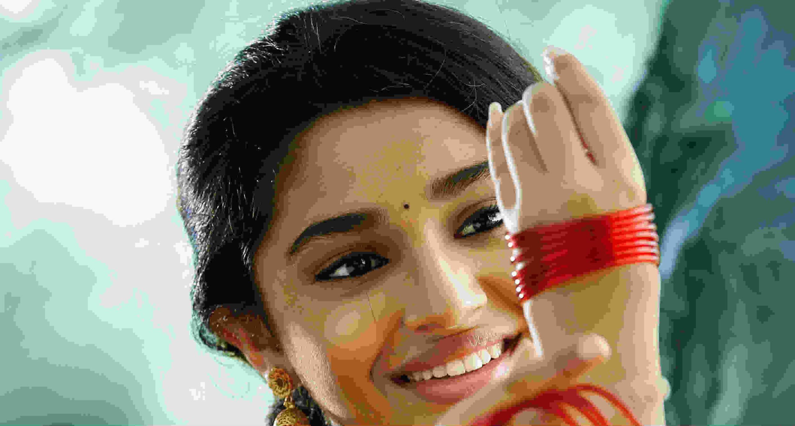 హీరోయిన్ కృతి శెట్టి బర్త్డే సందర్భంగా 'ఉప్పెన' చిత్రంలో పోస్టర్ విడుదల